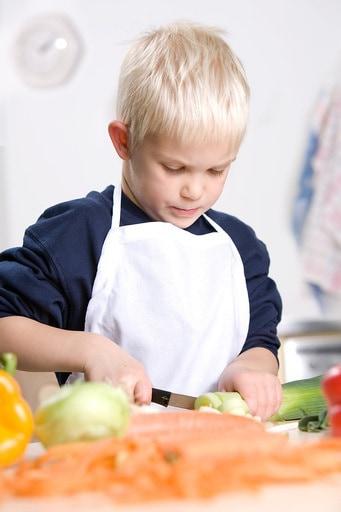 cucinare con i bambini 5 buoni motivi per farlo