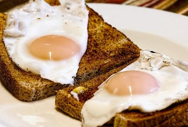 fried-eggs-456351_640