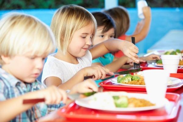 Pranzo Per Bambini 7 Anni : Alimentazione del bambino anni consigli errori da evitare e
