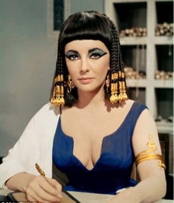 elizabeth-taylor-cleopatra-blue-dress