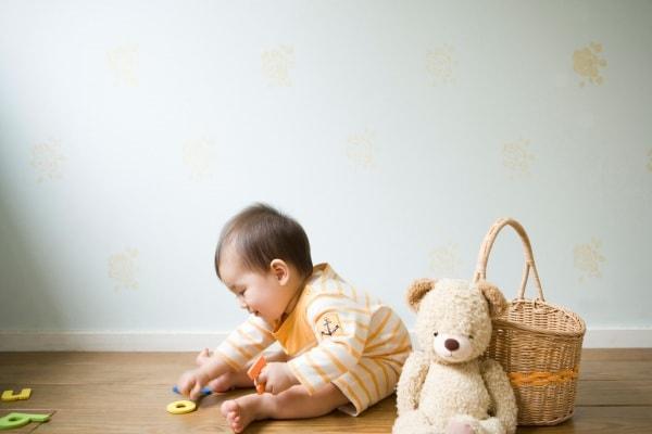 genitori montessori ridurre i giochi