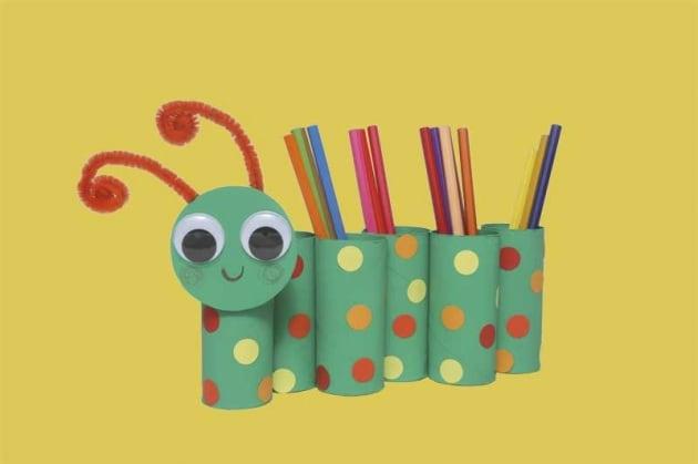Rotoli Di Carta Colorata : Lavoretto per bambini il bruco portamatite con materiali di