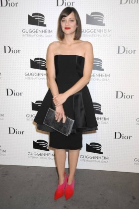 marion-cotillard-in-little-black-dress-and-shoes-