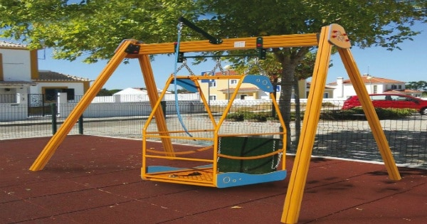 Bolzano apre parco giochi per bimbi disabili for Piani domestici accessibili ai disabili