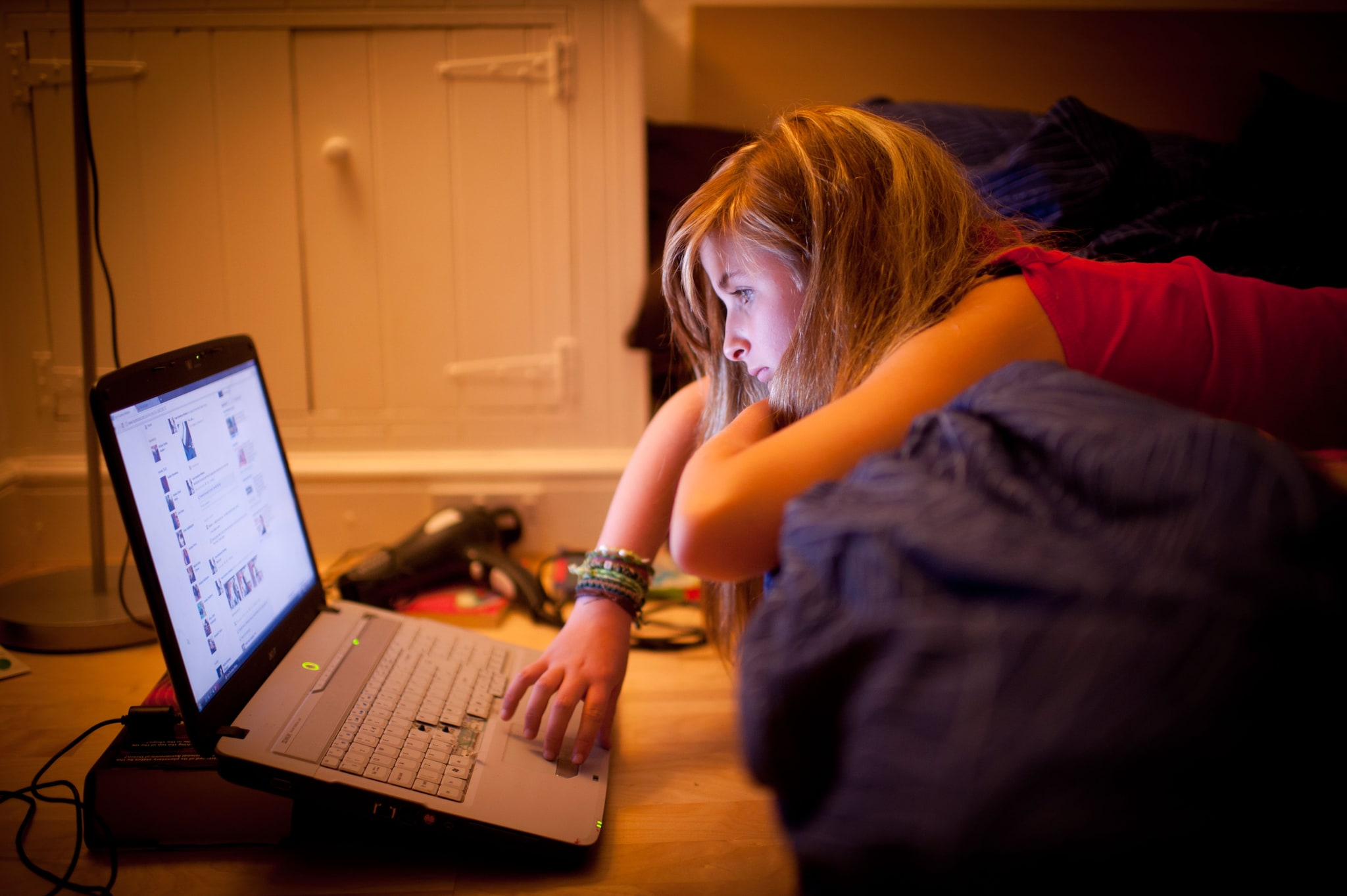 Cosa fare quando gli adolescenti si ritirano nella propria stanza ...