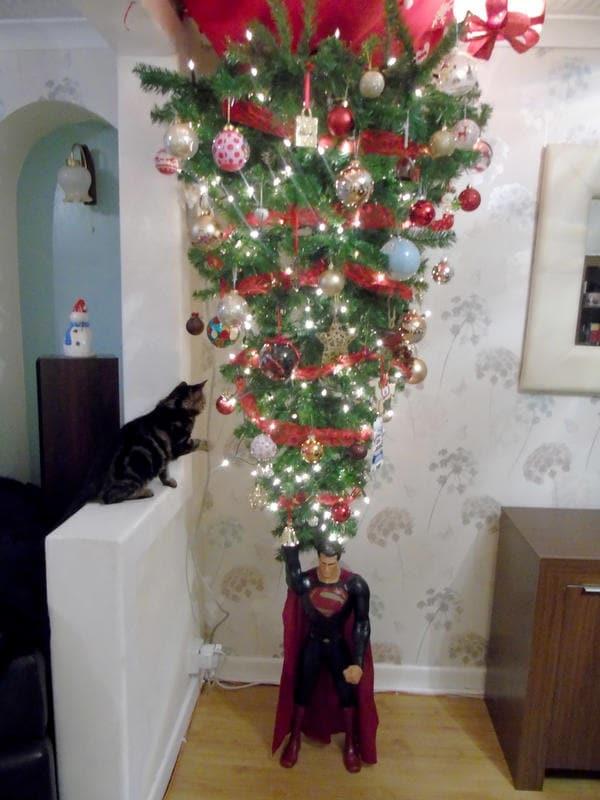 Albero Di Natale Al Contrario Foto.Albero Di Natale Al Contrario A Prova Di Gatto E Di Bimbo Nostrofiglio It