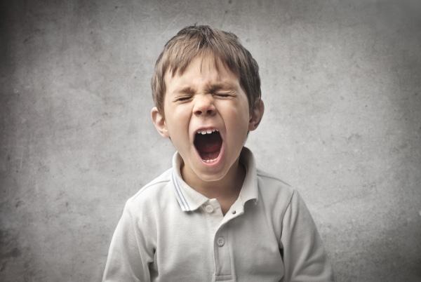 Eccezionale Il bimbo piange perché non vuole andare alla scuola materna  MA49