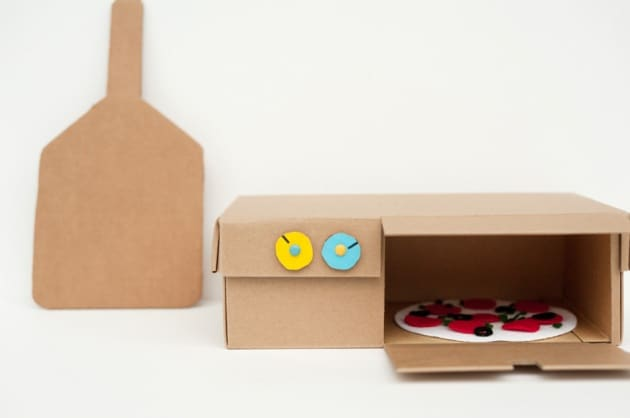 made-by-joel-diy-shoebox-pizza-oven-toy-5