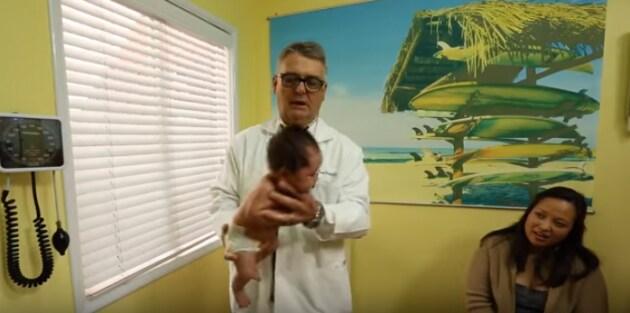 pediatrapresacalmarepiantoneonato8