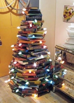 albero-natale-libri-e-luci