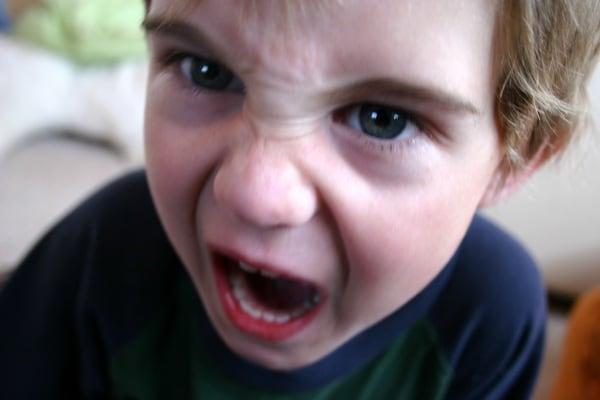 bambino oppositivo