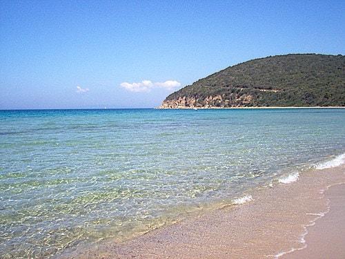 Le 16 spiagge pi belle d 39 italia guida blu 2015 - Bagno shangri la castagneto ...