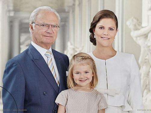 7.famigliareale