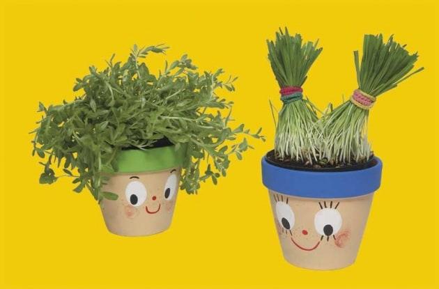 Lavoretto per bambini vasetti per fiori o piantine for Decorazione vasi