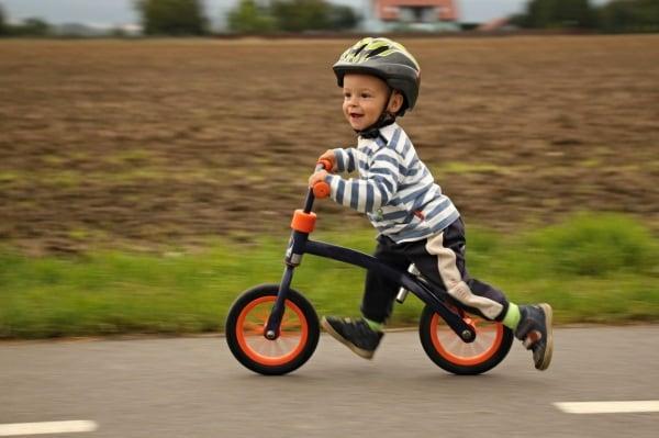 Risultati immagini per insegnare bambino ad andare in bici