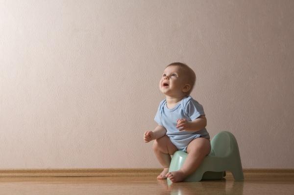 Il bimbo non vuole andare di corpo nel vasino che cosa fare - Cosa fare per andare in bagno ...
