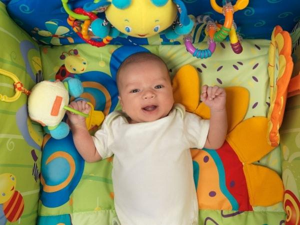 Un gioco per ogni mese di vita del neonato: dalla nascita al primo anno di vita - Nostrofiglio.it