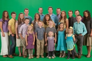 rs_560x415-141120143115-1024-19-kids-and-counting-duggars.ls.112014_copy.1500x1000