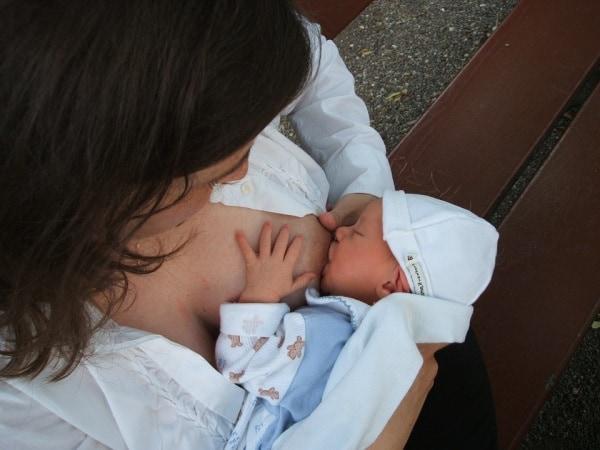 breastfeeding-2090396_960_720