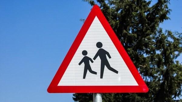 cartello-attraversamento-scuola.600