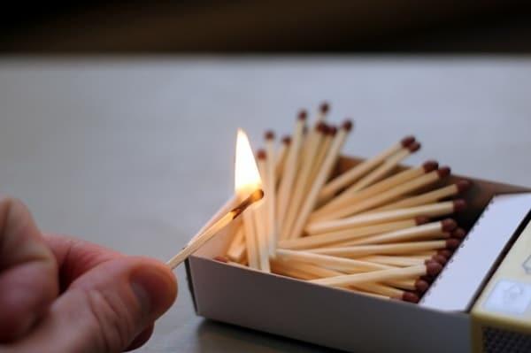 fiammiferi-fuoco.600