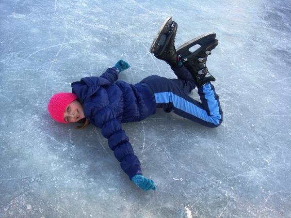 ice-skating-705183_1920