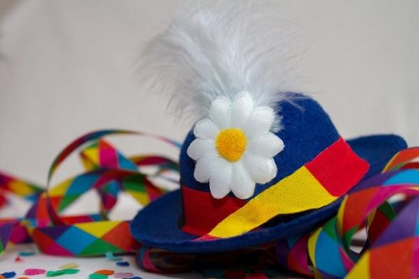carnival-3075883_640