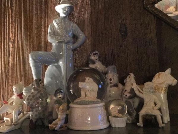 collezione di oggetti a tema montagna