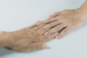 mani-madre-figlia