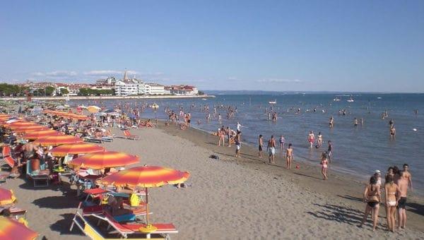 Matrimonio Spiaggia Lignano : Spiagge per bambini le bandiere verdi in friuli e