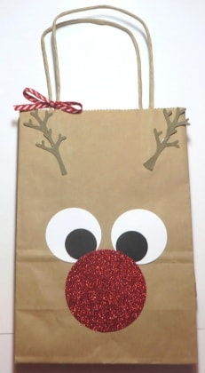 rudolph-the-red-nosed-reindeer-gift-bag-529x960
