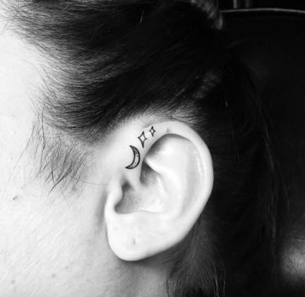 tatuaggi gli helix tattoo alla conquista di instagram. Black Bedroom Furniture Sets. Home Design Ideas