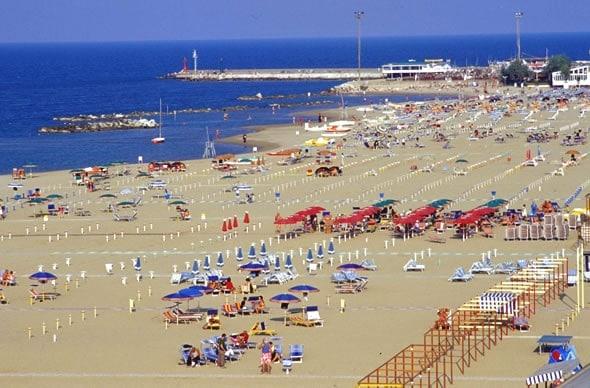 spiaggia-cattolica