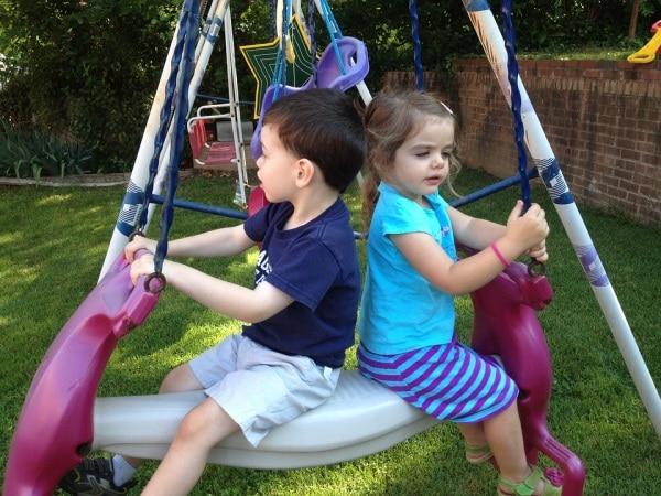 kids-at-swing-1185902_960_720