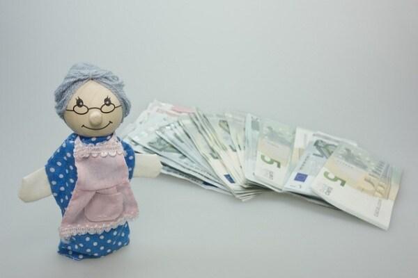 doll-550582_640