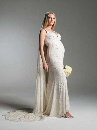 7ca26033a919 Gli abiti più belli per le spose premaman del 2017 - Nostrofiglio.it