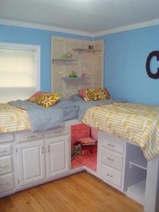 42 idee geniali per organizzare la cameretta del bambino - Cameretta poco spazio ...