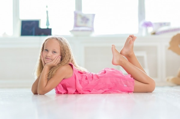 young-510453_1280