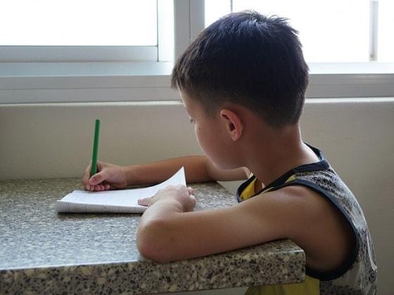 scrivere-bambino