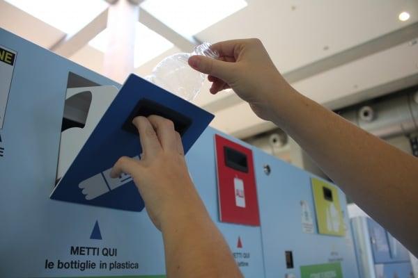 Risultati immagini per riciclo a scuola