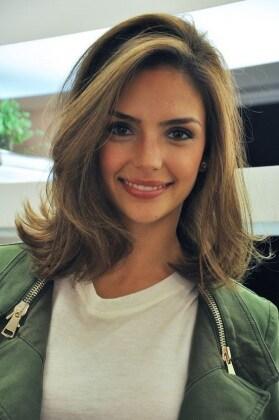 Tagli capelli medio lunghi immagini
