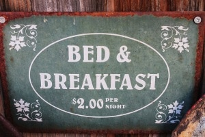 bed-and-breakfast-1431775_640