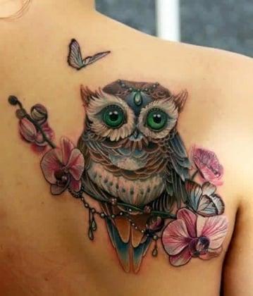 20 tatuaggi colorati per la spalla le idee pi belle - Civetta porta fortuna ...