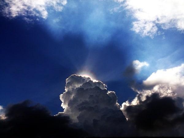 sky-1721759_640