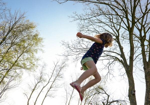 trampoline-2227668_960_720.600