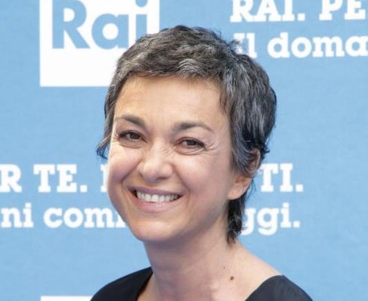 Daria Bignardi, nuovo ruolo, nuovo look: capelli corti e ...