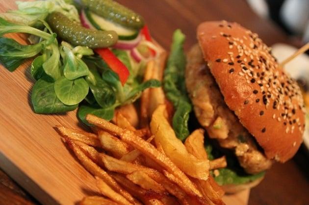 burger-874531_640