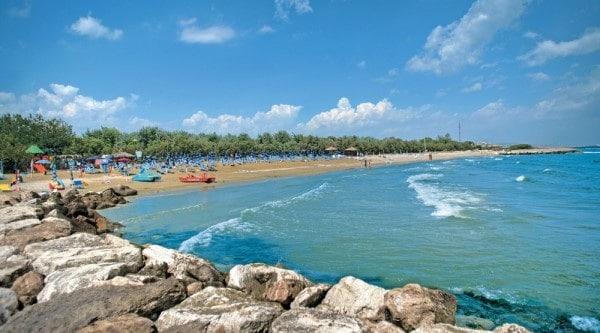 spiaggia-roseto-degli-abruzzi