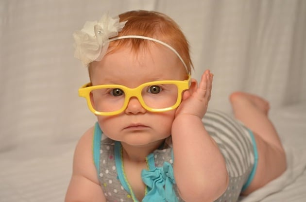 bambina-occhiali