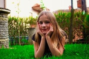 beautiful-girl-1310803_1920